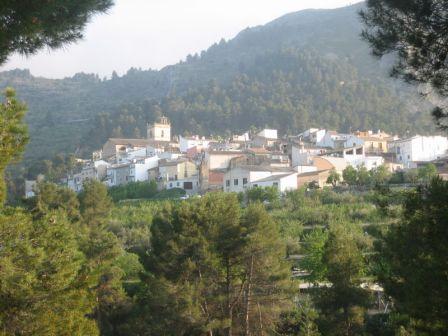 El pueblo de Penáguila y su entorno natural